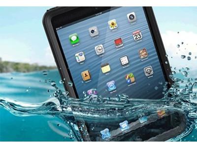 iPad упал в воду: что делать нельзя